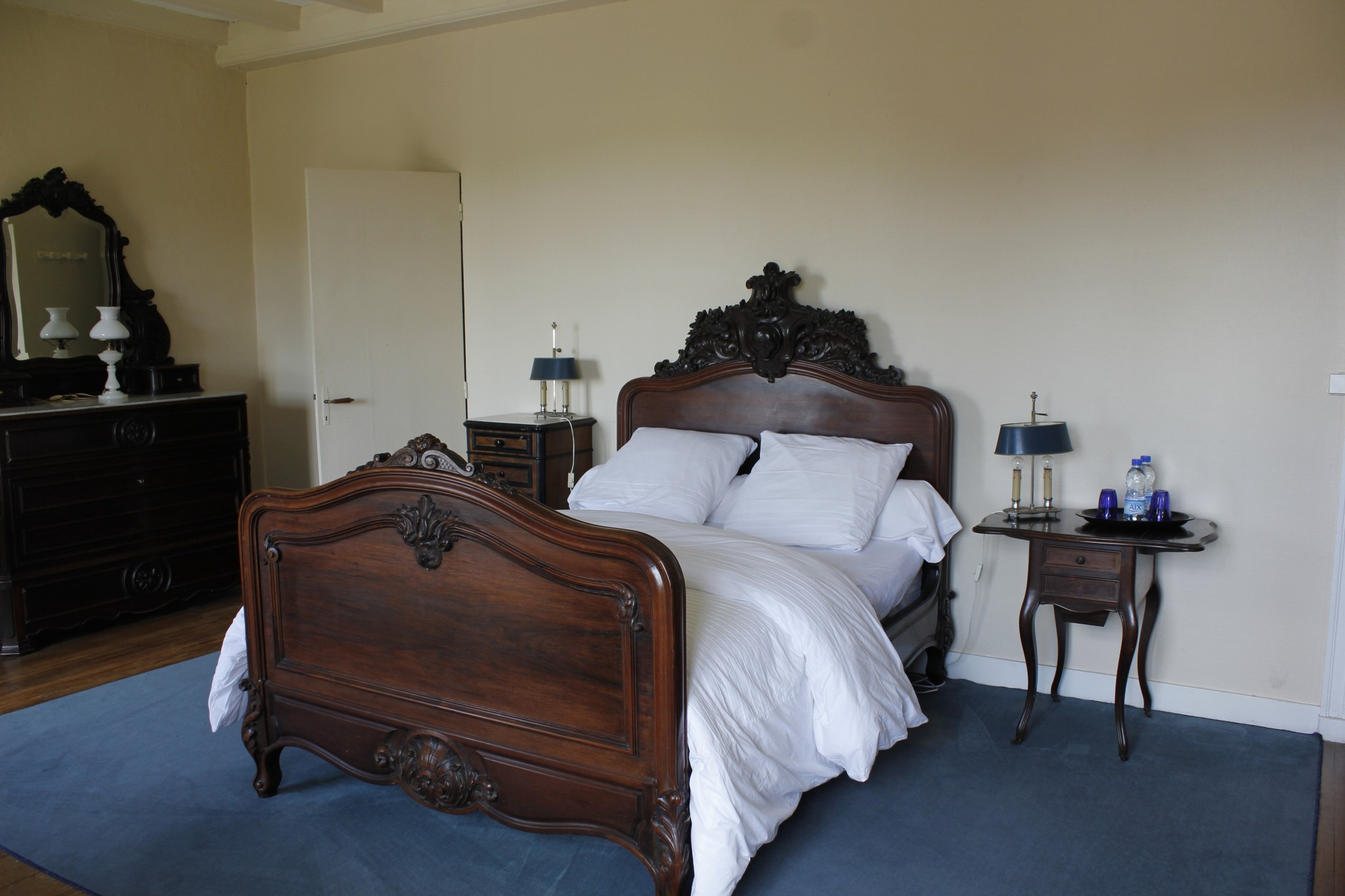 Chambres-d'hôtes-lit-double-bois