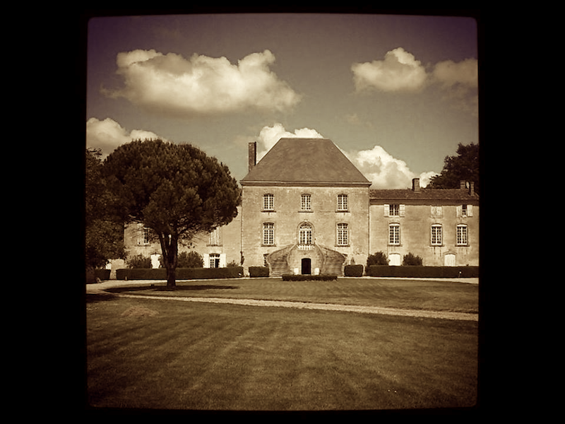 propriete-chateau-des-arras-sepia